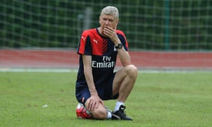 Arsène Wenger, Arsenal training in Singapore