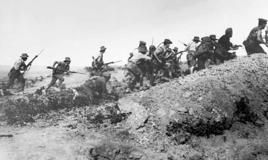Australian troops charge near a Turkish trench, Gallipoli Peninsula, Turkey, 1915.