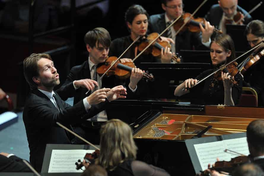 Leif Ove Andsnes played and directed the Mahler Chamber Orchestra from the piano at Prom 9.