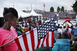 A boxing match takes place in honour of Obama's visit to Kenya.
