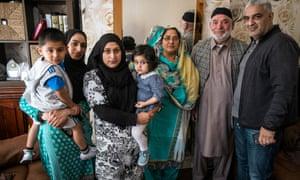 Tariq Jahan (right) with the family of Shahzad Ali and Abdul Musavir