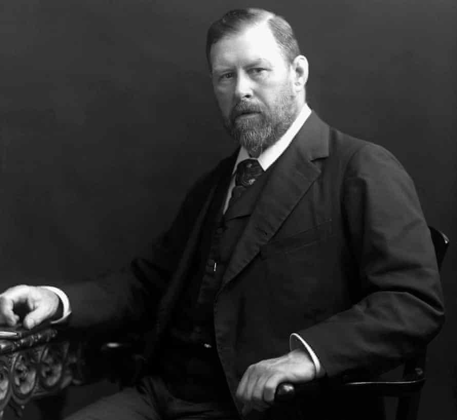 Bram Stoker, photographed between 1880-1900.