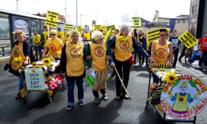 On 17 August 2014 the Nanas led a rally in Blackpool to protest against energy company Cuadrilla's proposals to extract shale gas on the Fylde in Lancashire.