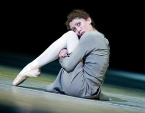 Leanne Benjamin, dancing for the Royal Ballet in 2004.