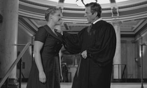 Amy Schumer and Dennis Quaid in 12 Angry Men Inside Amy Schumer