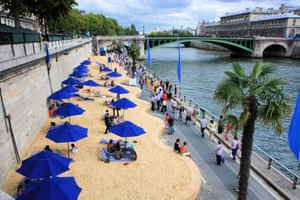 Paris beaches along the Seine
