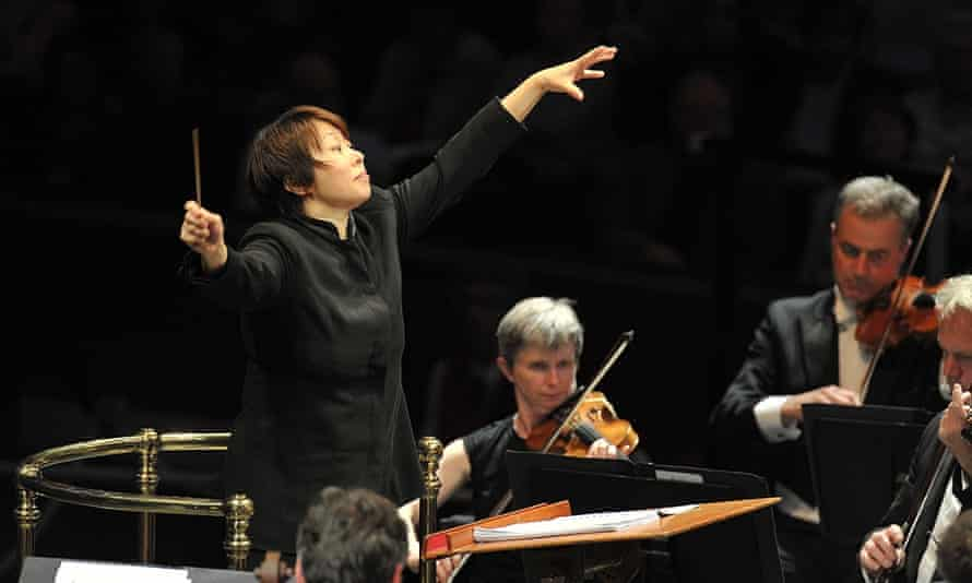 Sustained dialogues … Xian Zhang at the Proms.