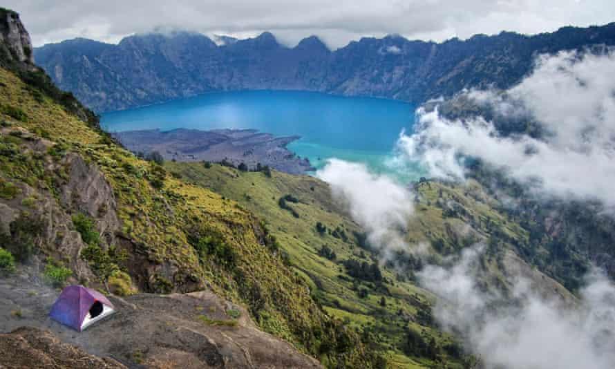 Rinjani crater lake, in so far relatively unspoiled Lombok