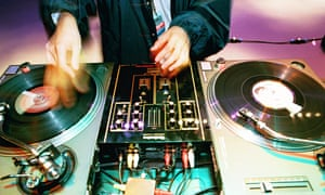 dj turntable hands