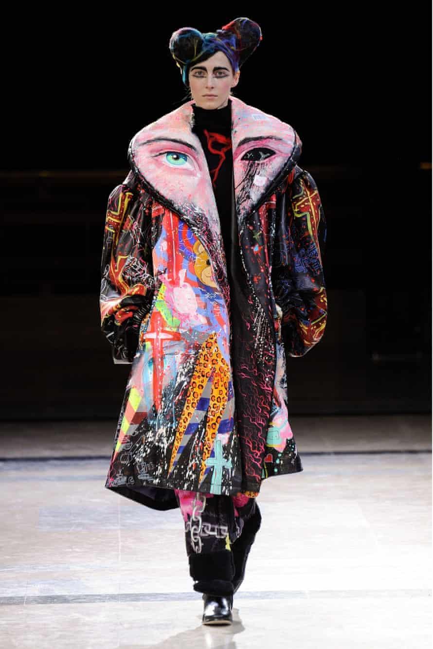 A model on the AW1 Yohji Yamamoto catwalk