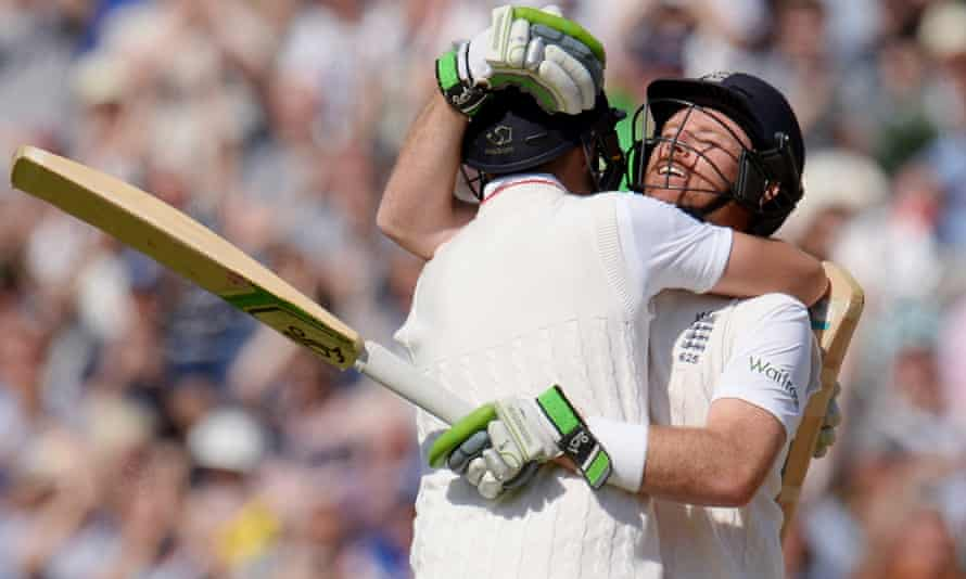 England's Ian Bell and Joe Root celebrate after winning the third Test.