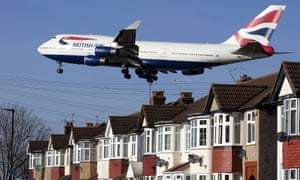 Plane flying low over houses on approach to Heathrow