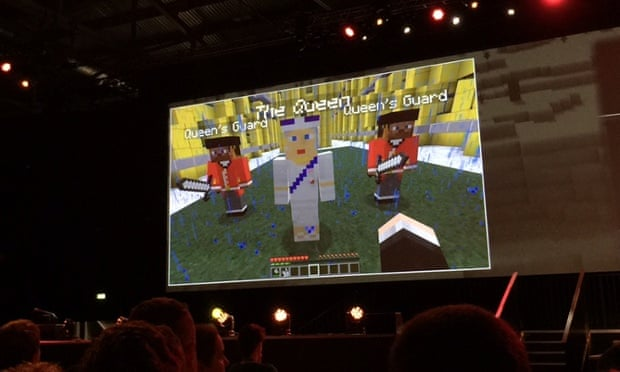The Queen in Minecraft: at last!