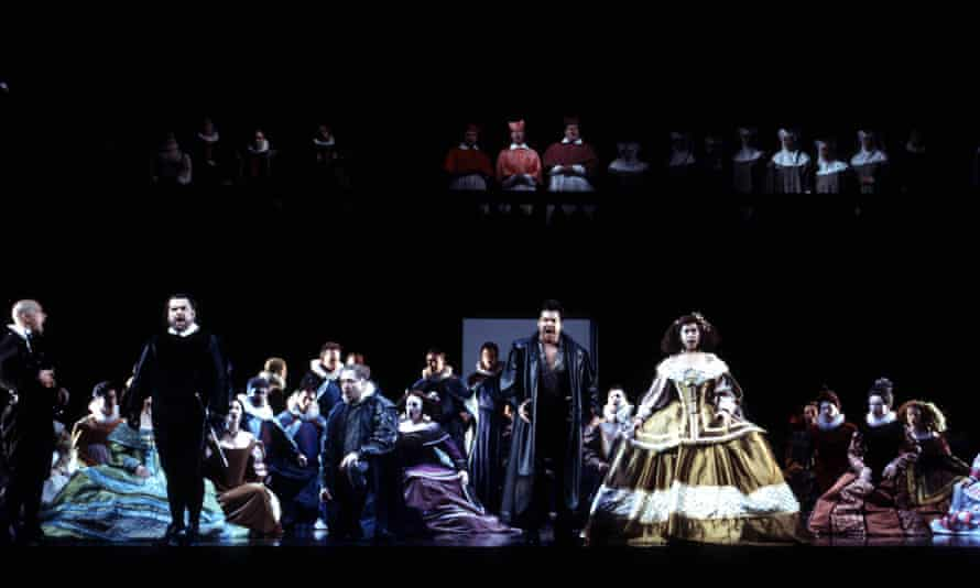 An ENO production of Ernani in 2000.