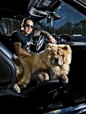 Depay and friend during a photoshoot in Eindhoven in March 2014.
