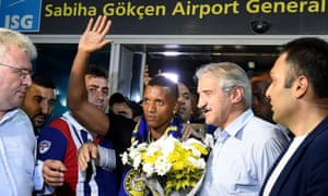 Nani was given a hero's welcome at the airport in Istanbul by Fenerbahce fans who are delighted he has joined the club.