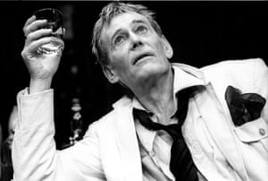 Peter O'Toole in Jeffrey Bernard Is Unwell at the Apollo theatre, London, 1989.