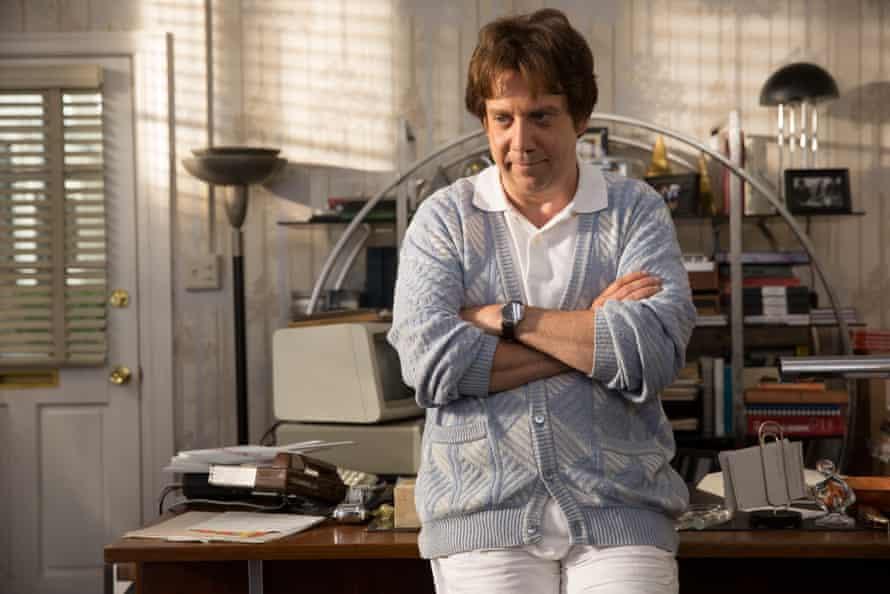 Paul Giamatti as therapist-turned-captor Dr Eugene Landy in Love & Mercy.