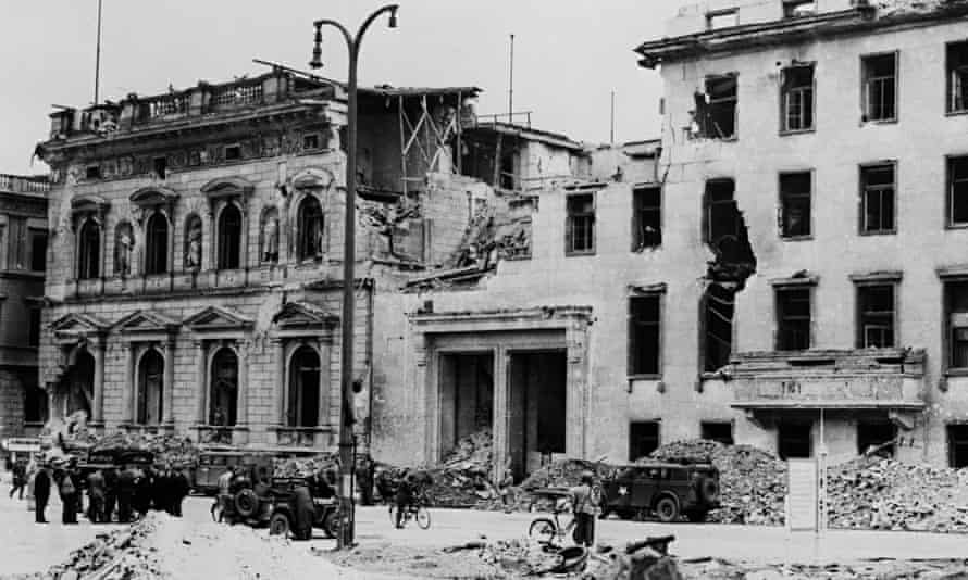 Allied troops occupy the ruins of the Reich Chancellery in Berlin in 1945