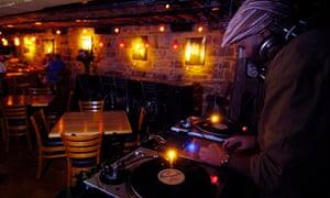 Bar with decks