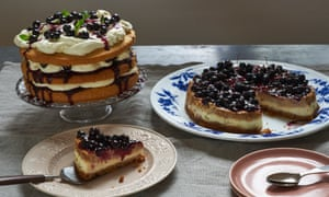Espresso, vanilla and blackcurrant cheesecake