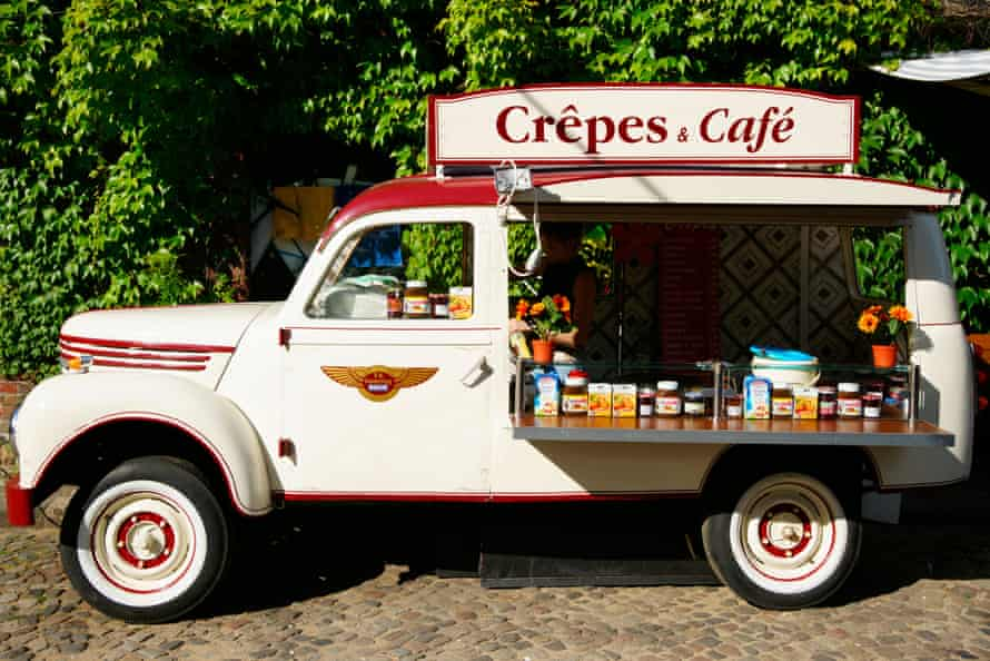 Mobile crepe and coffee shop