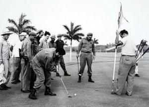 Che Guevara and Fidel Castro play golf, 1962