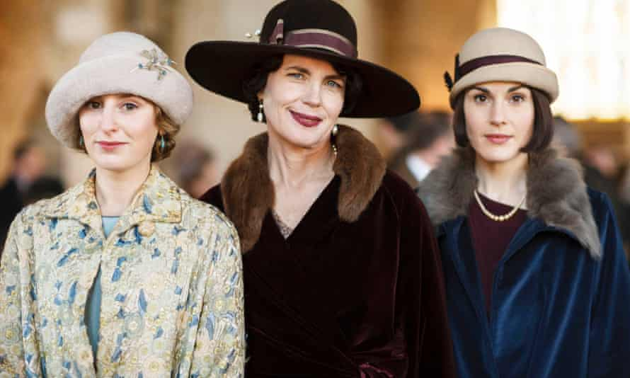 Lady Edith Crawley ( Laura Carmichael), Cora, Countess of Grantham (Elizabeth McGovern) and Lady Mary Crawley (Michelle Dockery) in Downton Abbey