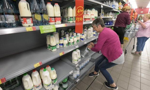 5da9deeb4 UK's Asda raises price paid to dairy farmer as value of milk sales plummets