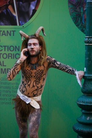 If in doubt faun a friend - performers with flyers at Bristo Square