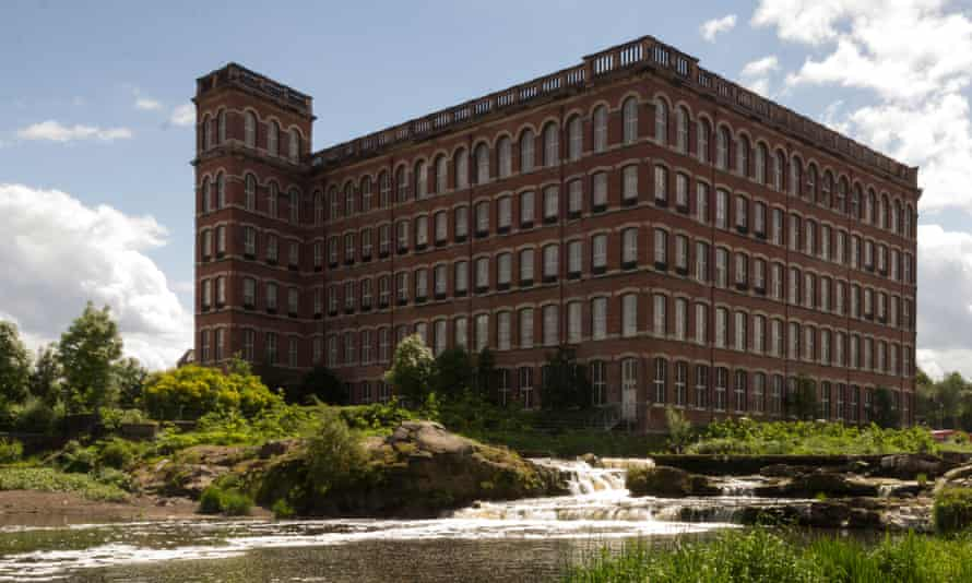 In 1960, few other industrial towns in Scotland could have felt as secure as Paisley. Along with other manufacturing, the town produced millions of spools of sewing thread from its handsome Victorian mills.