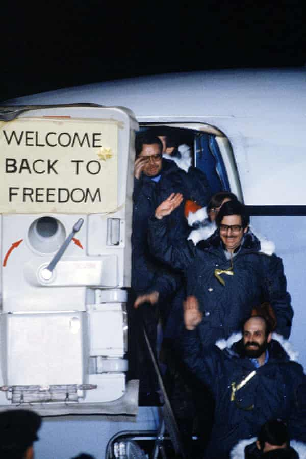 John Limbert (centre) and his fellow hostages after their release from the 1979 Tehran embassy hostage crisis