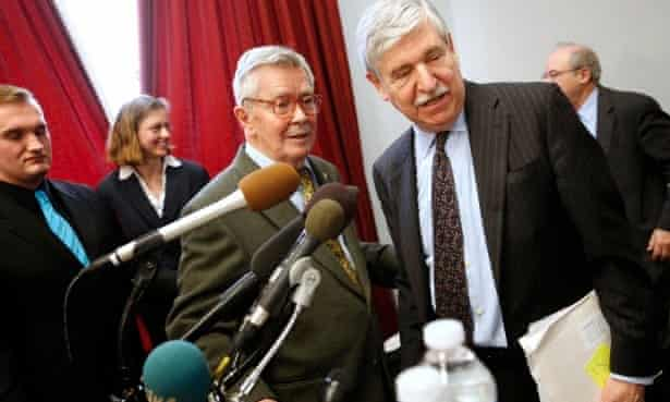 John Limbert (right) on Capitol Hill in 2013, calling for greater US-Iranian diplomacy.