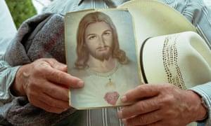 Alrededor de un cuarto de los estadounidenses se identifican como católicos - unos 80 millones de personas.