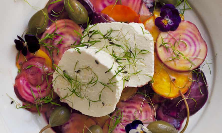 Beetroot with goatscheese Mustard and dill
