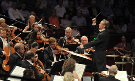 Fabio Luisi conducts the Danish National Symphony Orchestra