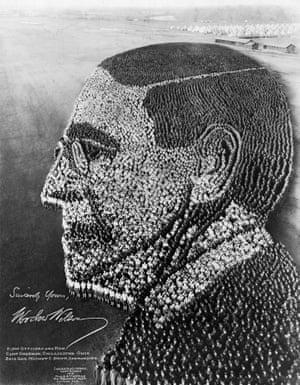 President  Woodrow Wilson, 21,000 men at Camp Sherman, Chillicothe, Ohio, October 31, 1918.