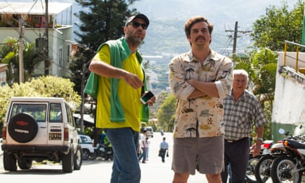 José Padilha, left, and Wagner Moura on the set of Narcos.
