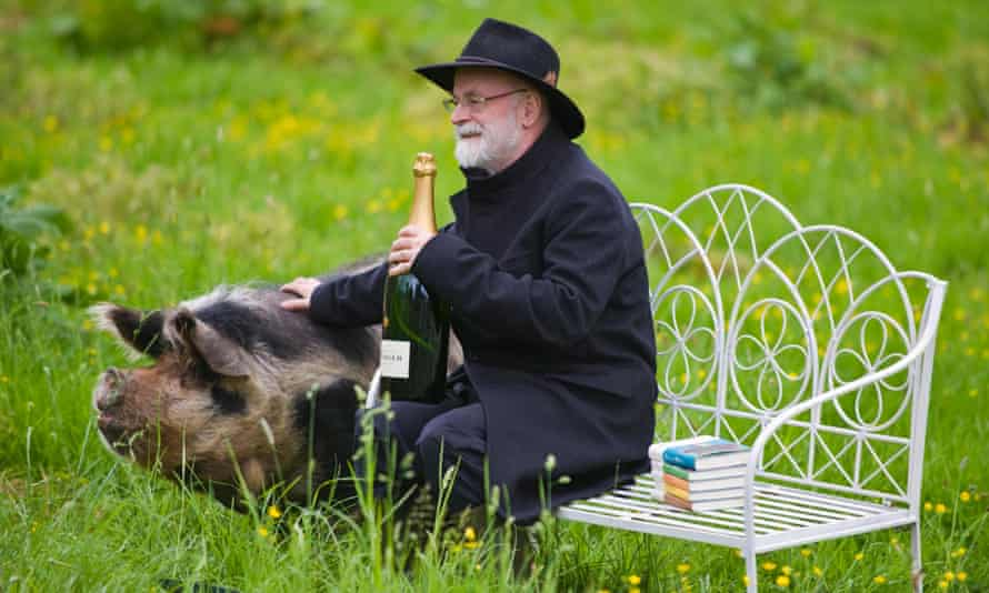 Terry Pratchett receives the Bollinger Everyman Wodehouse prize for Snuff, one of the novels that might have had an afterlife.