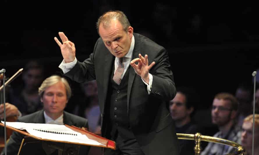 'Meticulous': François-Xavier Roth conducts the SWR Symphony Orchestra