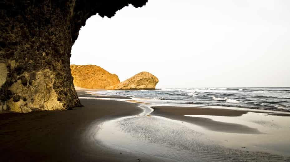 Monsul beach.