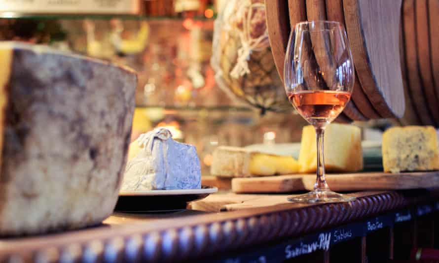 Cave a Manger, Paris, Wine and Cheese