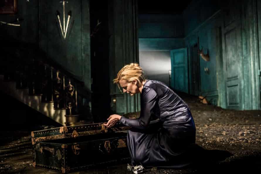 "Anastasia Hille, ""a beautiful Gertrude: febrile but restrained'."