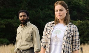 Margot Robbie with Chiwetel Ejiofor in Z for Zachariah