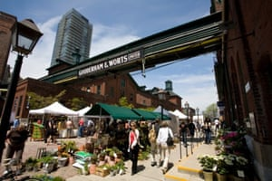 The Distillery district hosts farmers's markets, concerts and art exhibitions.