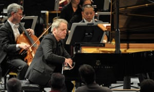Jeremy Denk performs Henry Cowell's Piano Concerto with the San Francisco Symphony conducted by Michael Tilson Thomas at the BBC Proms.