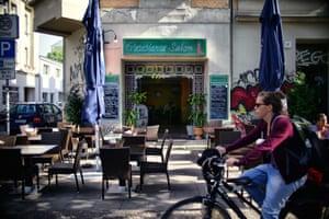 Casablanca Salon