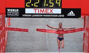Liliya Shobukhova wins London Marathon 2010