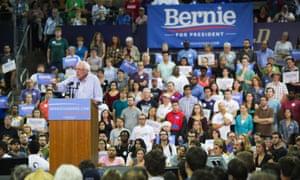 Sanders speaks at the University of Washington campus.