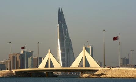 Bahrain World Trade Center. The probability of cyclones in the Persian gulf because of climate change is very low, says a new study, but a risk that should be considered.